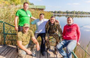 Активный отдых в компании. Рыбалка (2017)