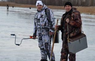 Активный отдых в компании. Зимняя рыбалка (р. Днепр, 2016)