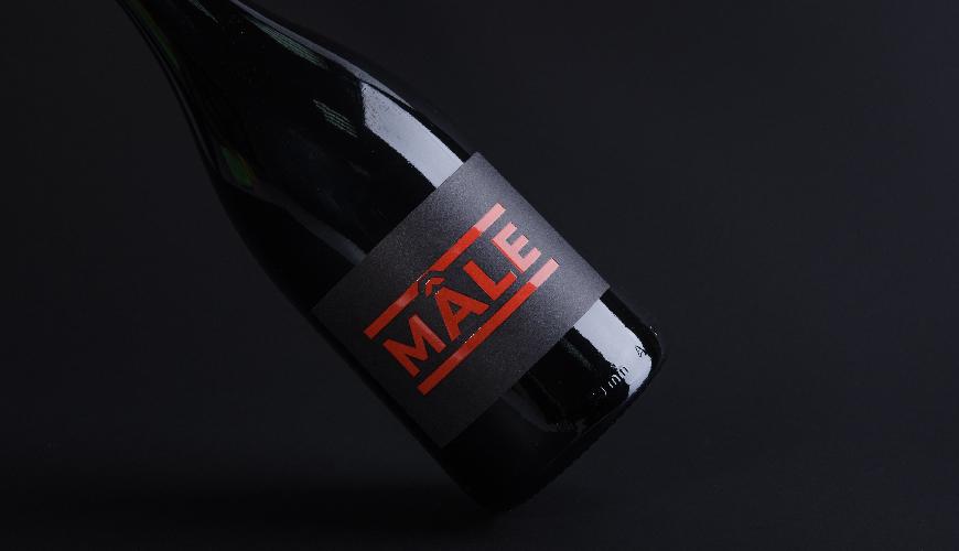 Self-adhesive wine labels